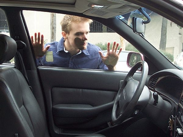 otevírání automobilů